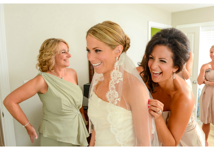 bride to be getting ready wedding photography